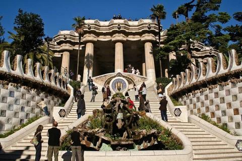 熱情西班牙~文化遺產‧高第建築‧米其林推薦10日(雙點進出‧AVE‧巴塞隆納住3晚)