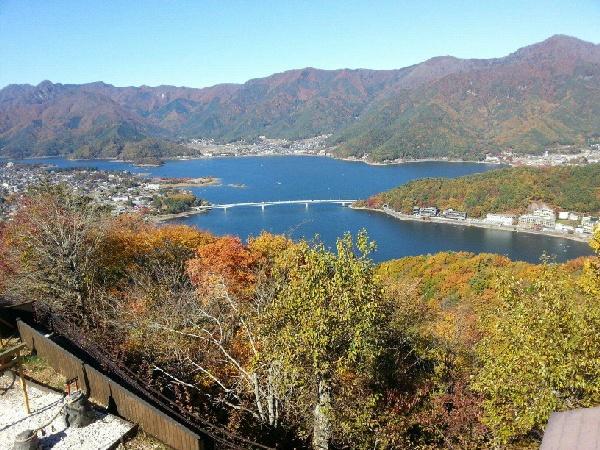 【迪士尼玩兩天】河口湖富士山.御殿場OUTLET.東京5日