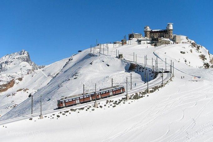 高奈葛拉特登山火車