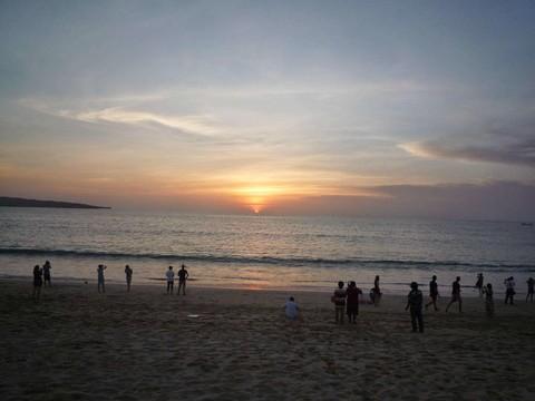 熱情巴里島~烏布泛舟、金巴蘭夕陽、龍蝦海鮮餐五日遊