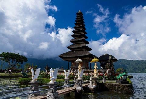 漫步峇里島5日~山中秘境百度庫、盪鞦韆+鳥巢、花香SPA 2小時、五星飯店二晚