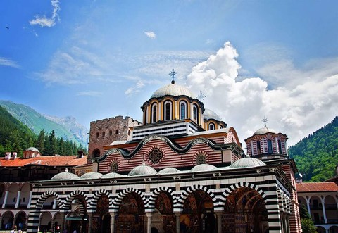 保加利亞~羅馬尼亞*黑海秘境12日~六晚五星飯店、吸血鬼古堡、酒莊品酒、玫瑰黃金谷地+SPA體驗~加送伊斯坦堡(市區觀光)