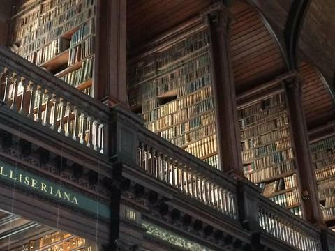 凱爾圖書館