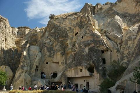 土耳其雙飛雙皇宮洞穴旅館10日 (鬱金香節;送熱氣球;吉普車遊;佩拉宮下午茶;年度回饋團)