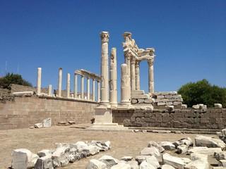 《飛天遁地土耳其》伊斯坦堡、特洛伊、貝加蒙、艾菲索斯、棉堡、卡帕多奇亞~世界遺產之旅10日