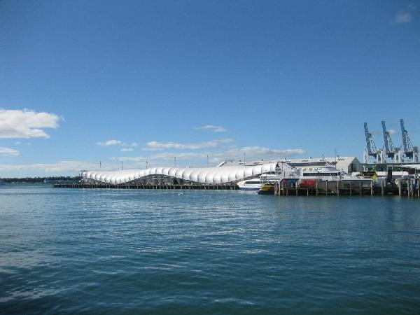【賺很大】紐西蘭北島、懷托摩螢火蟲洞、羅吐魯阿遊船纜車雙體驗8日