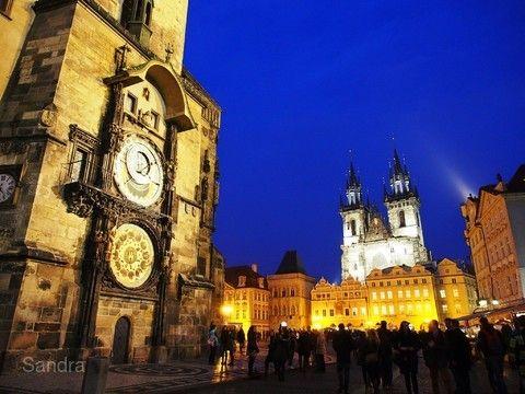 布拉格舊市政廳與天文鐘