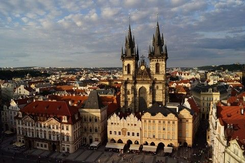 【賺很大】奧捷兩晚五星、布拉格遊船宴、天文鐘登高、米其林推薦風味10日