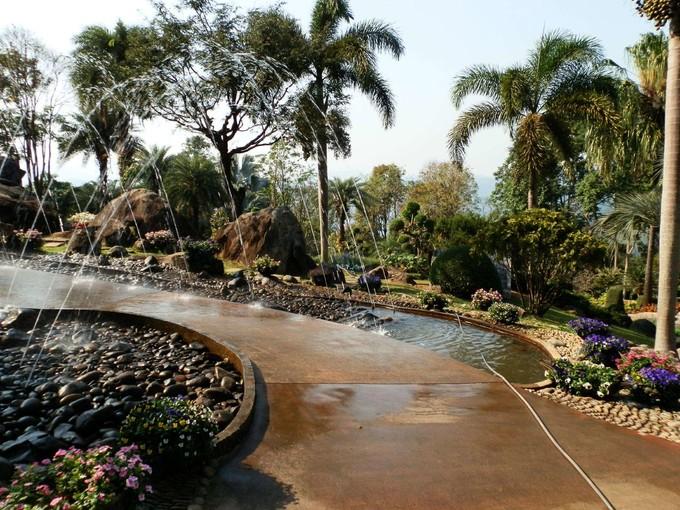 湖畔皇太后花園