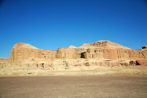 《華航直飛》北疆風情〜喀納斯湖、江布拉克大草原、可可托海、鳴沙山、五彩灘、魔鬼城、全覽11日(稅外)