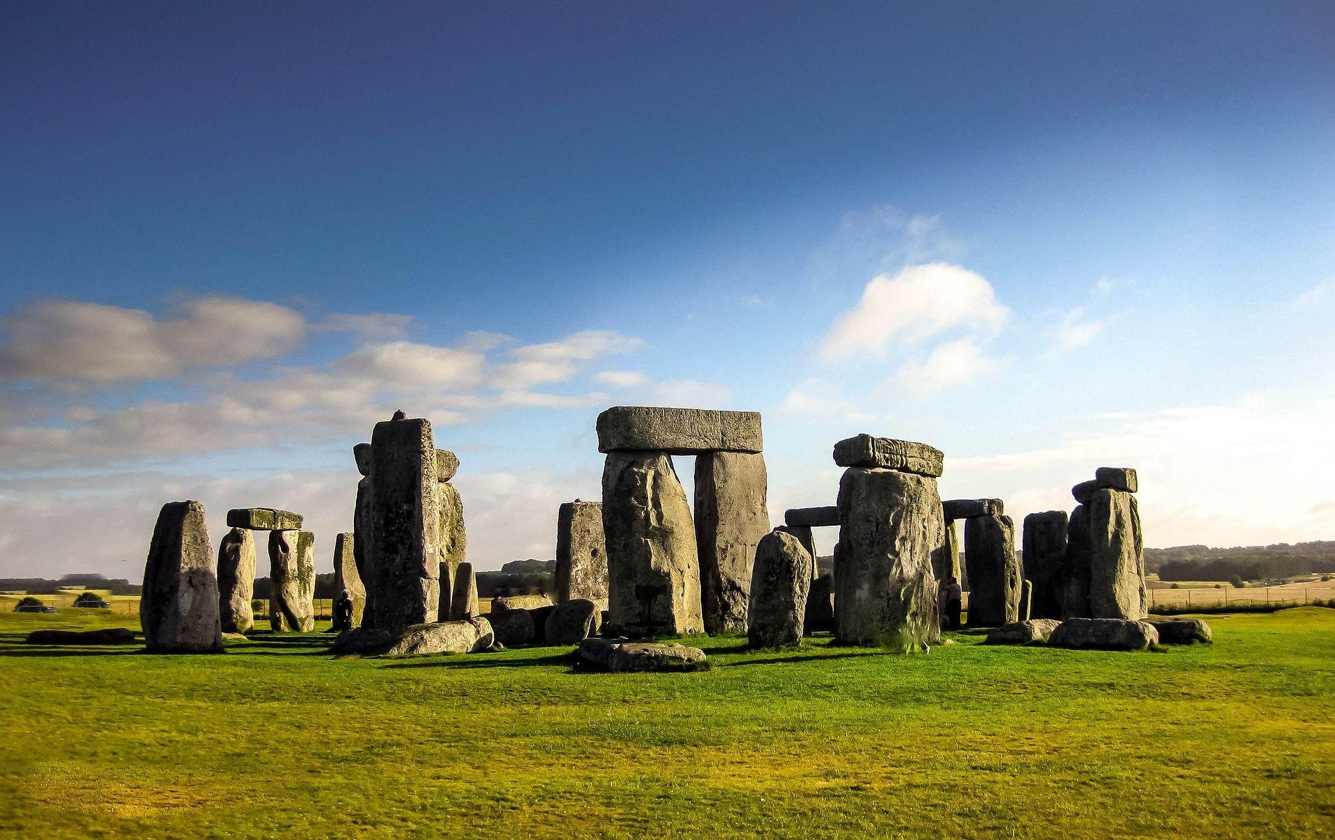 『經典歐洲』英國9日~中世紀古堡之旅、最美湖區遊船體驗、必訪雙學城、典藏大英博物館、謎樣史前巨石群、OUTLET購物趣《愛丁堡連泊2晚、英式下午茶、米其林饗宴、贈送倫敦眼》[含稅]
