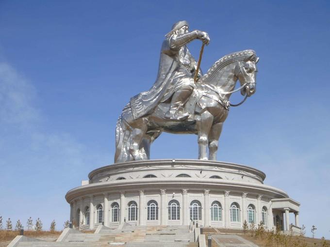 成吉思汗雕像公園