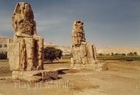 曼儂巨像(Colossi of Memnon)