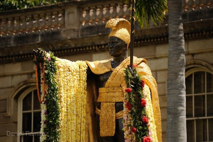卡美哈美哈國王銅像