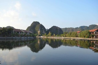 奢華雅儷北越雙龍灣海上VILLA五日遊