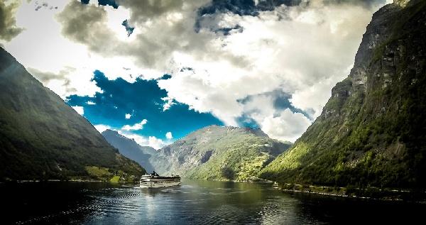 魅力歐洲~北歐五國、冰島、傑古沙龍冰河湖、雙峽灣遊船、雙百年貴族飯店、五大城市美食、峽灣全覽16日 優惠方案:送小費
