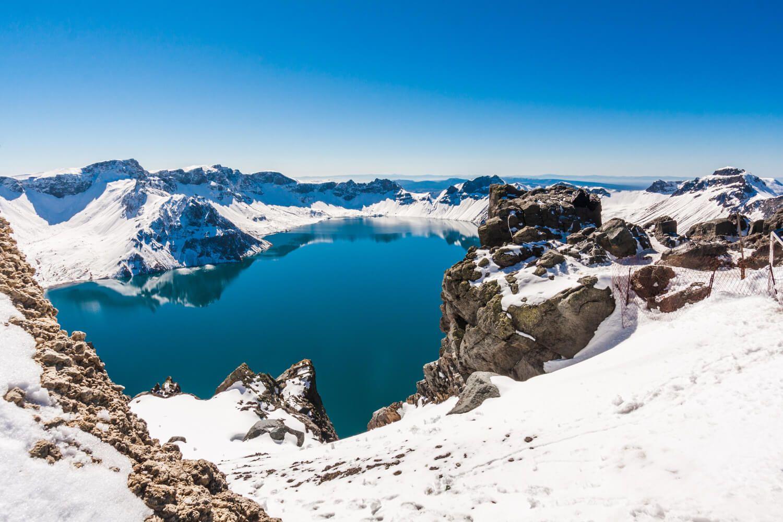 東北小九寨~十五道溝望天鵝、大美長白山溫泉泡湯、鏡泊湖冬捕、冰雪大世界八天
