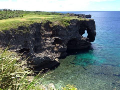 《沖繩好好玩》HAPPY GO四日∼海洋博.萬座毛.瀨長島.A級飯店<華航早去早回>
