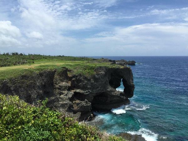 《沖繩好好玩》HAPPY GO四日∼海洋博.萬座毛.瀨長島.A級飯店<華航早去晚回>