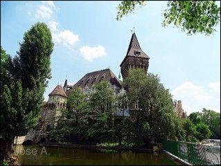 魅力歐洲~盡覽東歐秘境、中段飛機、雙高鐵、雙遊船、六晚五星首都連泊、柏林、波蘭華沙、匈牙利12日