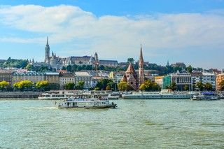「魅力歐洲」五星小東歐精選12日~最美咖啡館、童話城堡、多瑙河遊船、集中營、地下鹽礦城之旅[含稅]