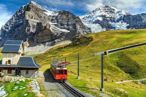 美哉瑞士∼四大名峰三大觀景列車12天【五星飯店、米其林餐、雙遊船、頭等艙、WIFI機】