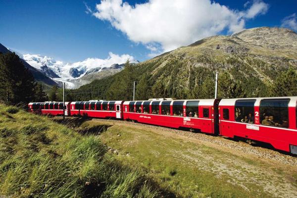《國泰港龍知旅》瑞士+米蘭10天-阿爾卑斯擁攬群峰四大名峰.黃金列車.冰河列車(含小費) 優惠方案:●贈送網卡(兩人一張)