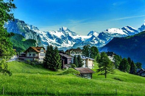 阿爾卑斯幸福號列車.德瑞雙峰13日~馬特洪峰、少女峰、觀景火車、新天鵝堡、國王湖、米其林一星《升等2晚五星飯店、送小費、WIFI》