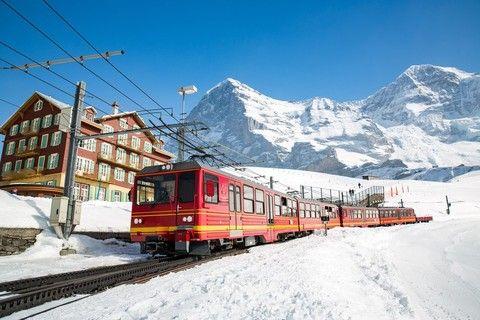 德瑞三大名峰 經典12日~少女峰、馬特洪峰、楚格峰、新天鵝堡、冰河列車、黃金列車、wifi機