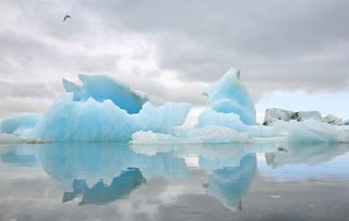 醉愛歐洲~丹麥(美人魚的故鄉).冰島(藍色溫泉泡湯體驗).傑古沙龍藍冰湖.黑沙灘.冰洞探險.追尋極光8日[含稅簽]