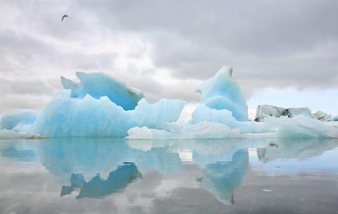 ◆魅力歐洲◆冰島魔幻極光巴黎10天【賞極光遊船、雪上摩托車、騎馬體驗、冰河健行、傑古沙龍冰河湖、藍湖溫泉、WIFI】