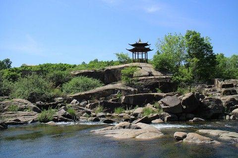 魅力東北~五大名城、長白山、浪漫大連、瀋陽故宮、鏡泊湖峽谷、嘖嘖九日