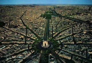 ◆長榮航空~魅力歐洲◆法比荷10天【鬱金香花園、巴黎四晚、雙宮雙遊船、米其林推薦、WIFI】