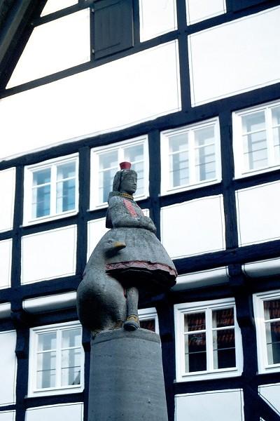 小紅帽雕像
