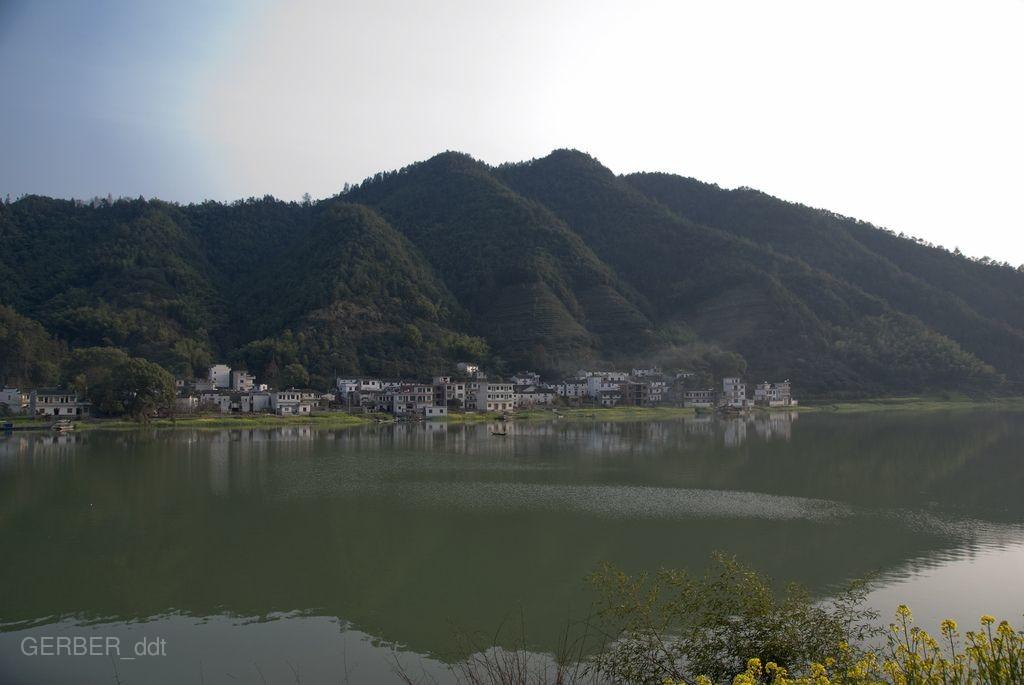 【中國世家】潑墨黃山、千島湖遊船、湖邊古村落、徽韻秀6日