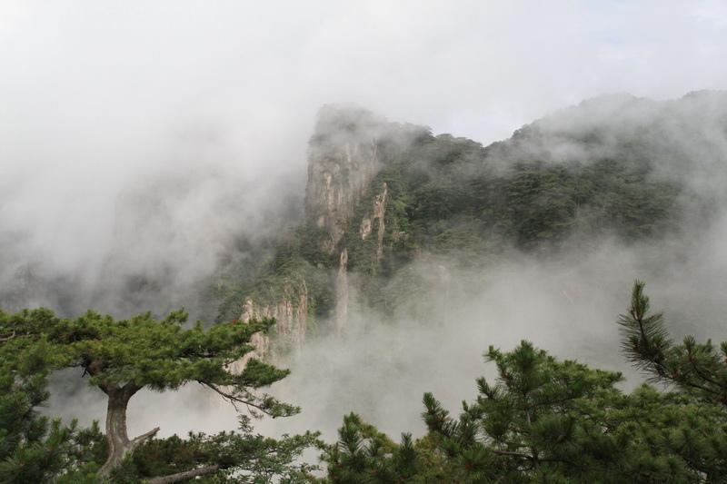 【璀燦黃山】奇幻黃山.水上獅城千島湖.紹興東湖8日