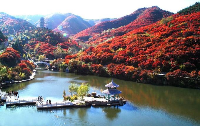 大明湖南岸