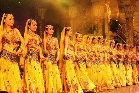 維吾爾族民族歌舞表演