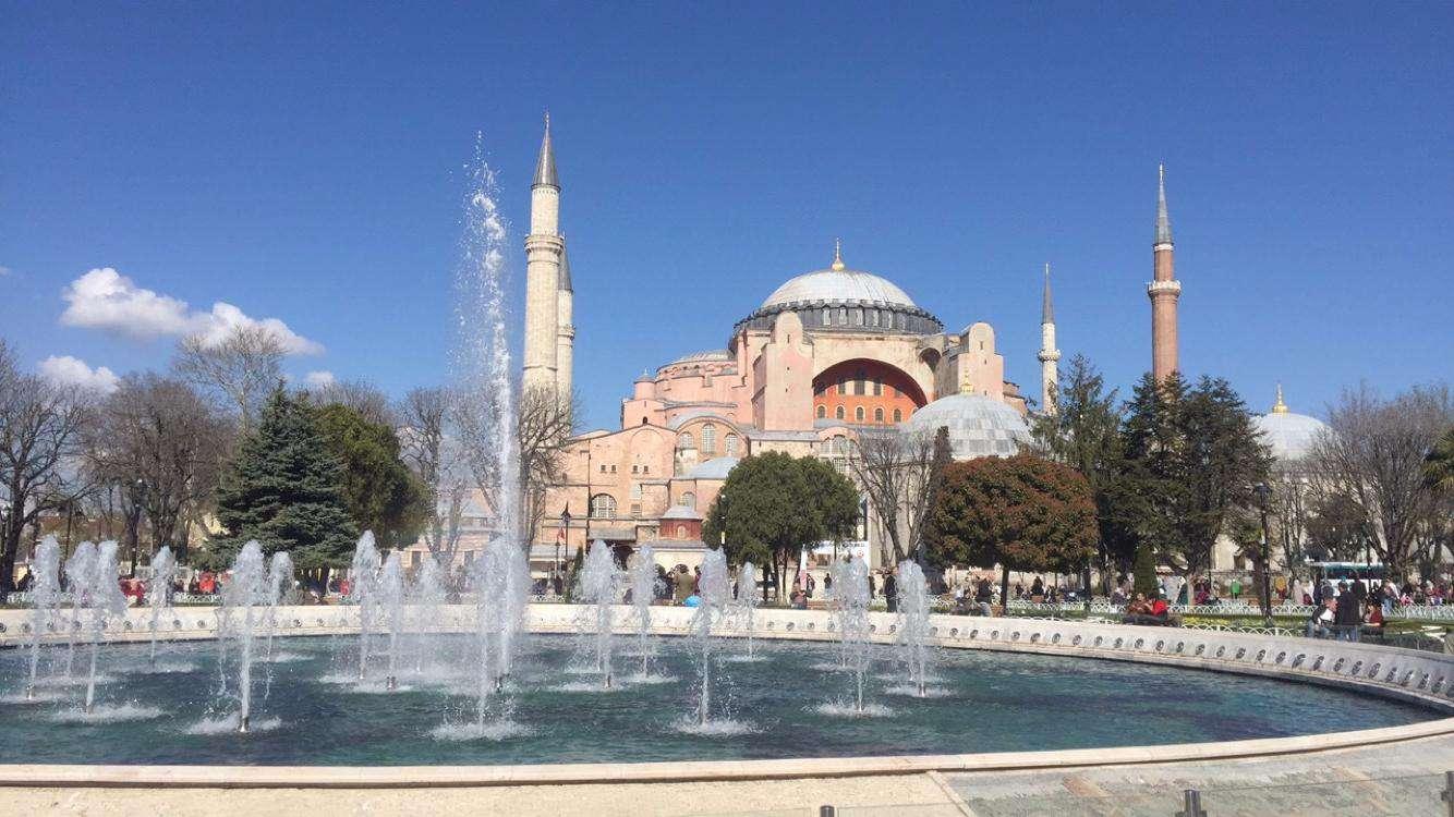 土耳其蕃紅花城洞穴旅館雙飛雙皇宮12日 (送熱氣球;吉普車遊;佩拉宮下午茶;年度回饋團)
