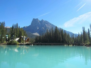 《感恩大回饋》加拿大洛磯山脈●雙國家公園、露易斯湖城堡、溫哥華Outlet、品酒樂9日