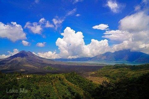 巴杜爾火山湖