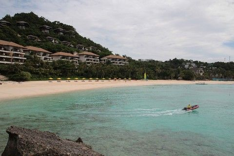 時尚峇里~英迪格酒店、天空步道、FINNS俱樂部、獨棟別墅、雙SPA5日(兩人成行)