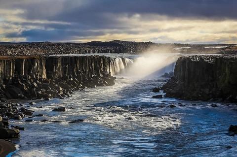 鯨艷冰島全覽金環10天 (賞鯨船、雪上摩托車、藍色溫泉、冰川健行、水陸兩用車、斯奈山半島)
