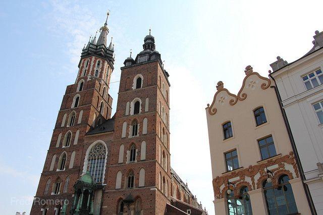 「魅力歐洲」盡覽東歐秘境~庫肯霍夫花季-柏林、波蘭華沙、匈牙利、中段飛機、雙高鐵、三遊船、六晚五星首都連泊12日