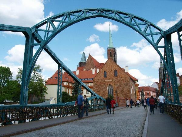 魅力歐洲~盡覽東歐秘境-柏林、波蘭華沙、匈牙利、中段飛機、雙高鐵、三遊船、六晚五星首都連泊12日 優惠方案:送小費