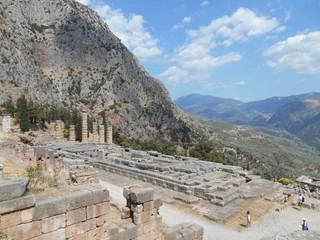 德爾菲考古遺址