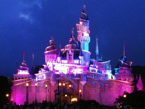 親子暑假-香港迪士尼樂園.昂坪360.海洋公園雙樂園3日遊【台中出發】