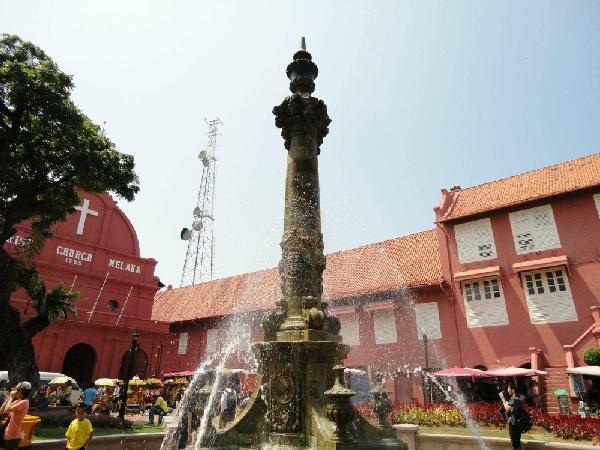 馬來雙享~大紅花海上屋泳池VILLA+黃金棕梠渡假村+文化遺產5日