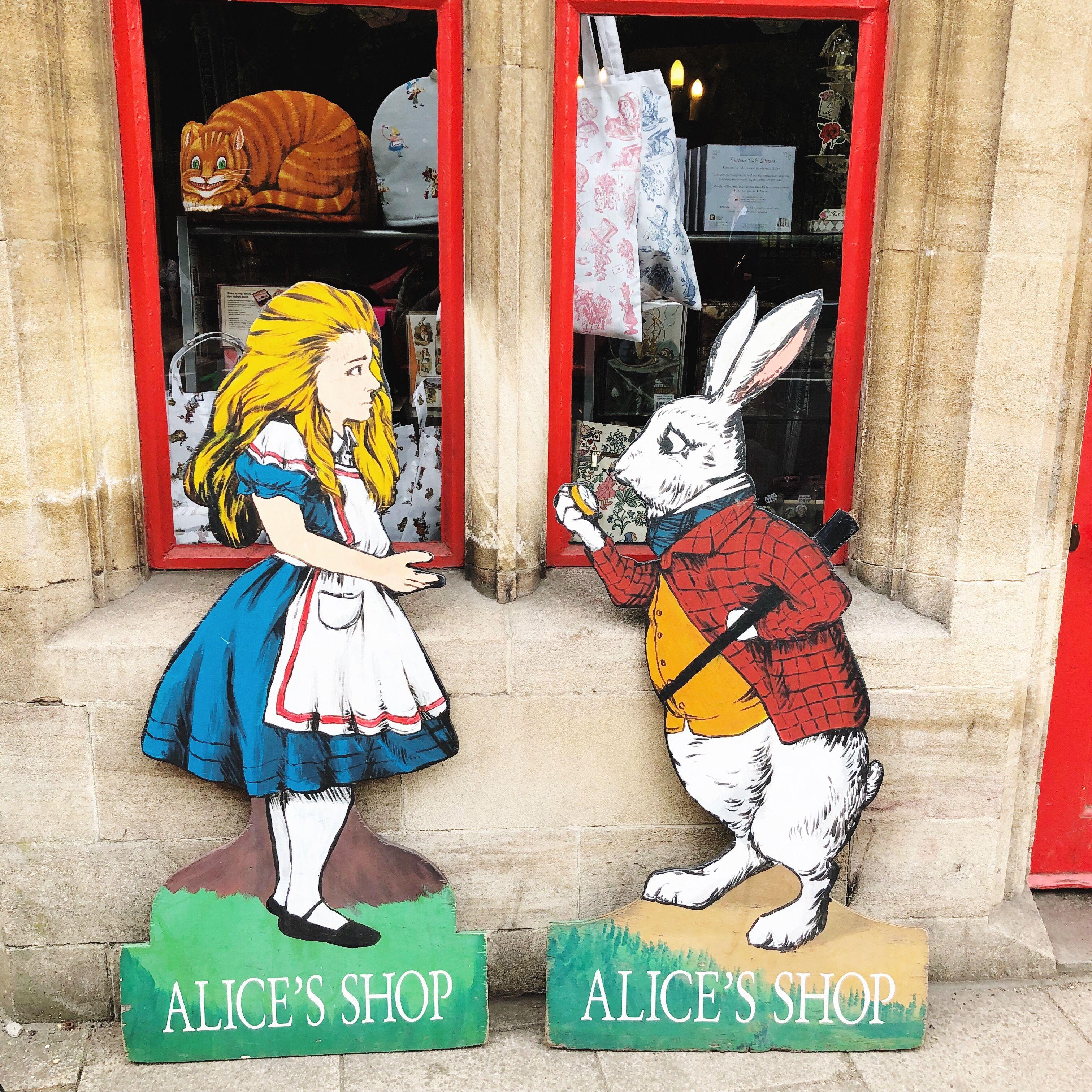 牛津與比斯特購物村一日遊